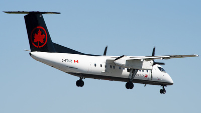 A picture of CFRUZ - De Havilland Canada Dash 8300 - Air Canada - © Philip Debski