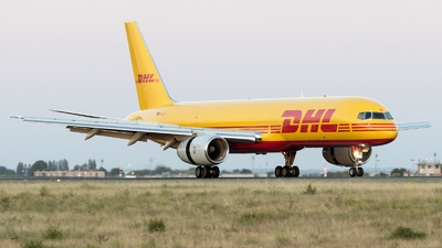 D-ALET - Boeing 757-28A(PCF) - DHL (European Air Transport)