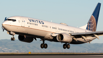 A picture of N69838 - Boeing 737924(ER) - United Airlines - © Ben Suskind