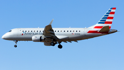 A picture of N126HQ - Embraer E175LR - American Airlines - © Conor Clancy