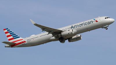 N990AU - Airbus A321-231 - American Airlines