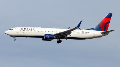 A picture of N866DN - Boeing 737932(ER) - Delta Air Lines - © Oliver Richter