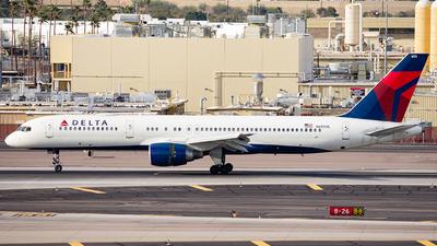 A picture of N655DL - Boeing 757232 - Delta Air Lines - © Alexander Owen