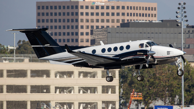 N58AY - Beechcraft 200 Super King Air - Private