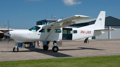 A picture of PHJAS - Cessna 208 Caravan I - [20800226] - © Paul Stam