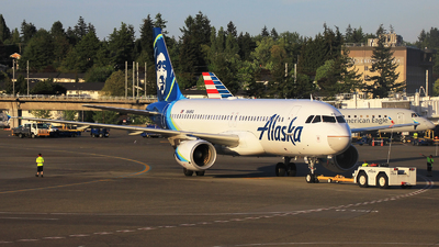 A picture of N849VA - Airbus A320214 - Alaska Airlines - © Hongming Zheng