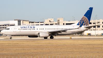 N36207 - Boeing 737-824 - United Airlines
