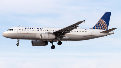 N427UA - Airbus A320-232 - United Airlines