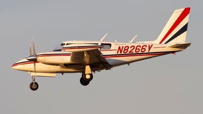 N8266Y - Piper PA-30-160 Twin Comanche B - Private
