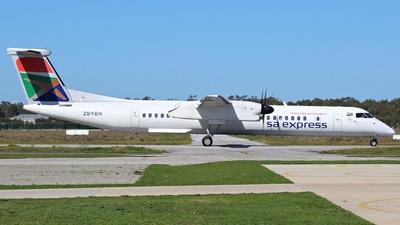 A picture of ZSYBX - De Havilland Canada Dash 8400 - [4366] - © Austin Ferreira