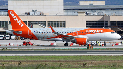 A picture of GEZOX - Airbus A320214 - [6837] - © Brian T Richards