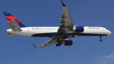 A picture of N6709 - Boeing 757232 - Delta Air Lines - © Alejandro Aceves