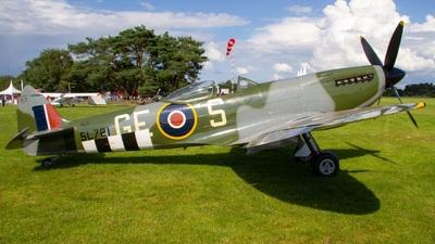 OO-XVI - Supermarine Spitfire Mk.XVI - Private