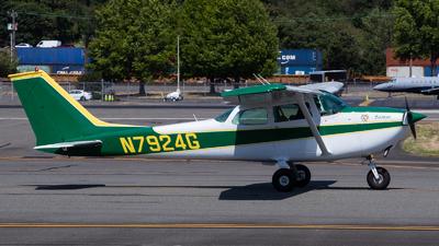 N7924G - Cessna 172L Skyhawk II - Private