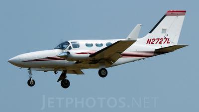 A picture of N2727L - Cessna 414A Chancellor - [414A0602] - © Geoff Landes