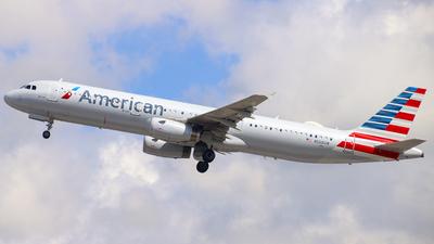 N568UW - Airbus A321-231 - American Airlines
