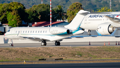 ZS-EKA - Bombardier BD-700-1A10 Global 6500 - Private