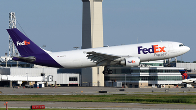 A picture of N652FE - Airbus A300F4605R - FedEx - © DJ Reed - OPShots Photo Team