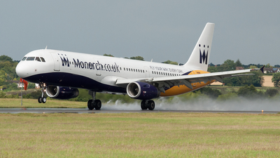 G-OZBT - Airbus A321-231 - Monarch Airlines