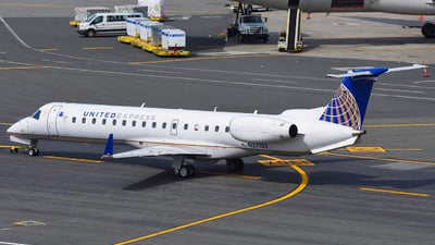 N27152 - Embraer ERJ-145XR - United Express (Commutair)