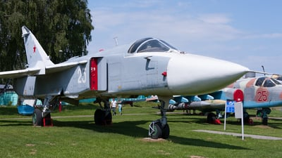 25 - Sukhoi Su-24M Fencer - Belarus - Air Force