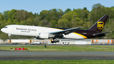 A picture of N366UP - Boeing 767300F(ER) - UPS Airlines - © SpotterPowwwiii