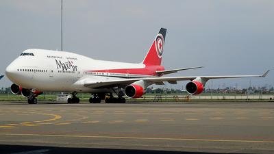 5N-HMM - Boeing 747-4B5 - MaxAir