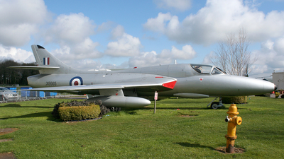XE665 - Hawker Hunter T.8C - United Kingdom - Royal Navy