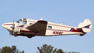 N36BC - Beech G18S - Private