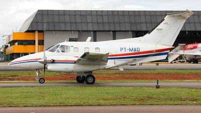 PT-MAD - Embraer EMB-121 Xingú - Taxi Aéreo Weiss