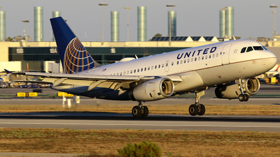 N896UA - Airbus A319-132 - United Airlines