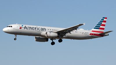 N975UY - Airbus A321-231 - American Airlines
