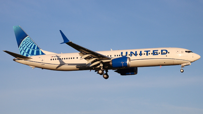 N37527 - Boeing 737-9 MAX - United Airlines