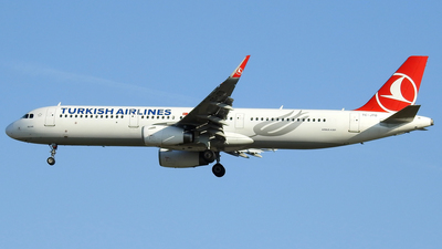 A picture of TCJTO - Airbus A321231 - Turkish Airlines - © Alessandro Berti