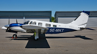 SE-MKT - Piper PA-34-220T Seneca V - Private