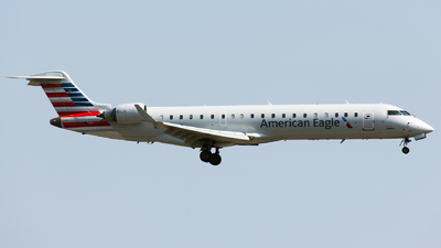 A picture of N751SK - Mitsubishi CRJ701ER - American Airlines - © Thomas Ernst