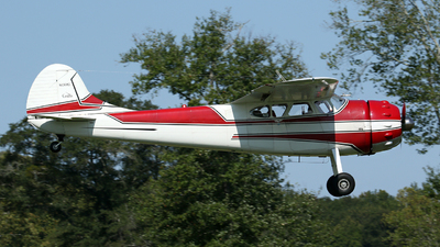 N1068D - Cessna 195A - Private