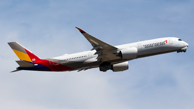 A picture of HL8359 - Airbus A350941 - Asiana Airlines - © Huy Do