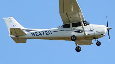 A picture of N2472U - Cessna 172S Skyhawk SP - [172S10074] - © nicholastoto