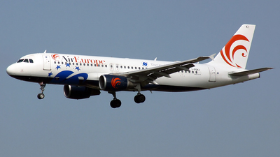 I-PEKI - Airbus A320-214 - Air Europe