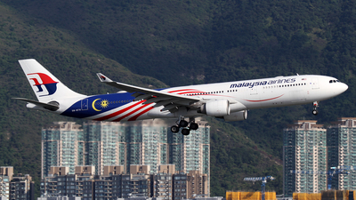 A picture of 9MMTH - Airbus A330323 - Malaysia Airlines - © Mohit Purswani - AHKGAP