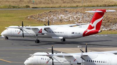 A picture of VHLQG - De Havilland Canada Dash 8400 - Qantas - © ybbnaviation