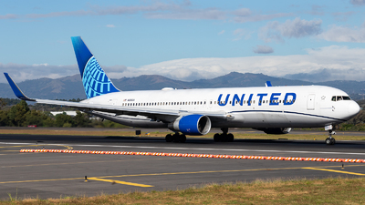 A picture of N656UA - Boeing 767322(ER) - United Airlines - © Josué Saavedra