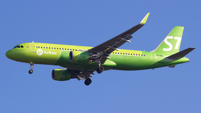 A picture of VPBOG - Airbus A320214 - S7 Airlines - © Paolo Maggiolo