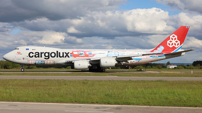 A picture of LXVCM - Boeing 7478R7(F) - Cargolux - © Peter Bakema