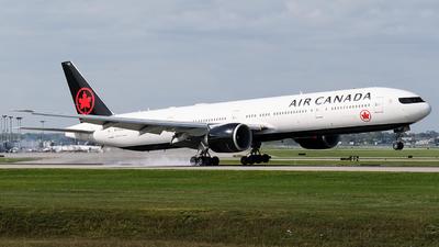 A picture of CFIUR - Boeing 777333(ER) - Air Canada - © MingyaoLeonardo