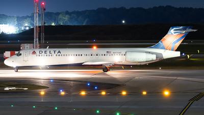 N979AT - Boeing 717-2BD - Delta Air Lines