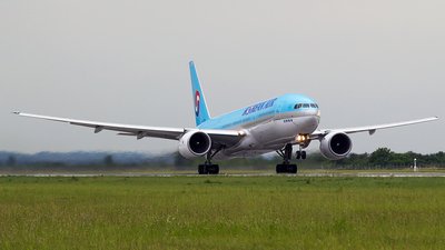HL7734 - Boeing 777-2B5(ER) - Korean Air