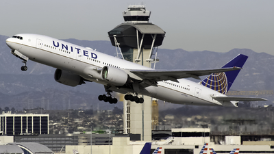 N797UA - Boeing 777-222(ER) - United Airlines