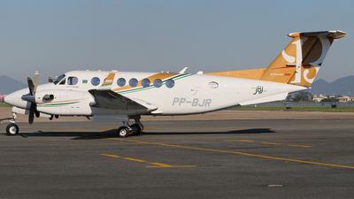 PP-BJR - Beechcraft B300 King Air 350i - Private